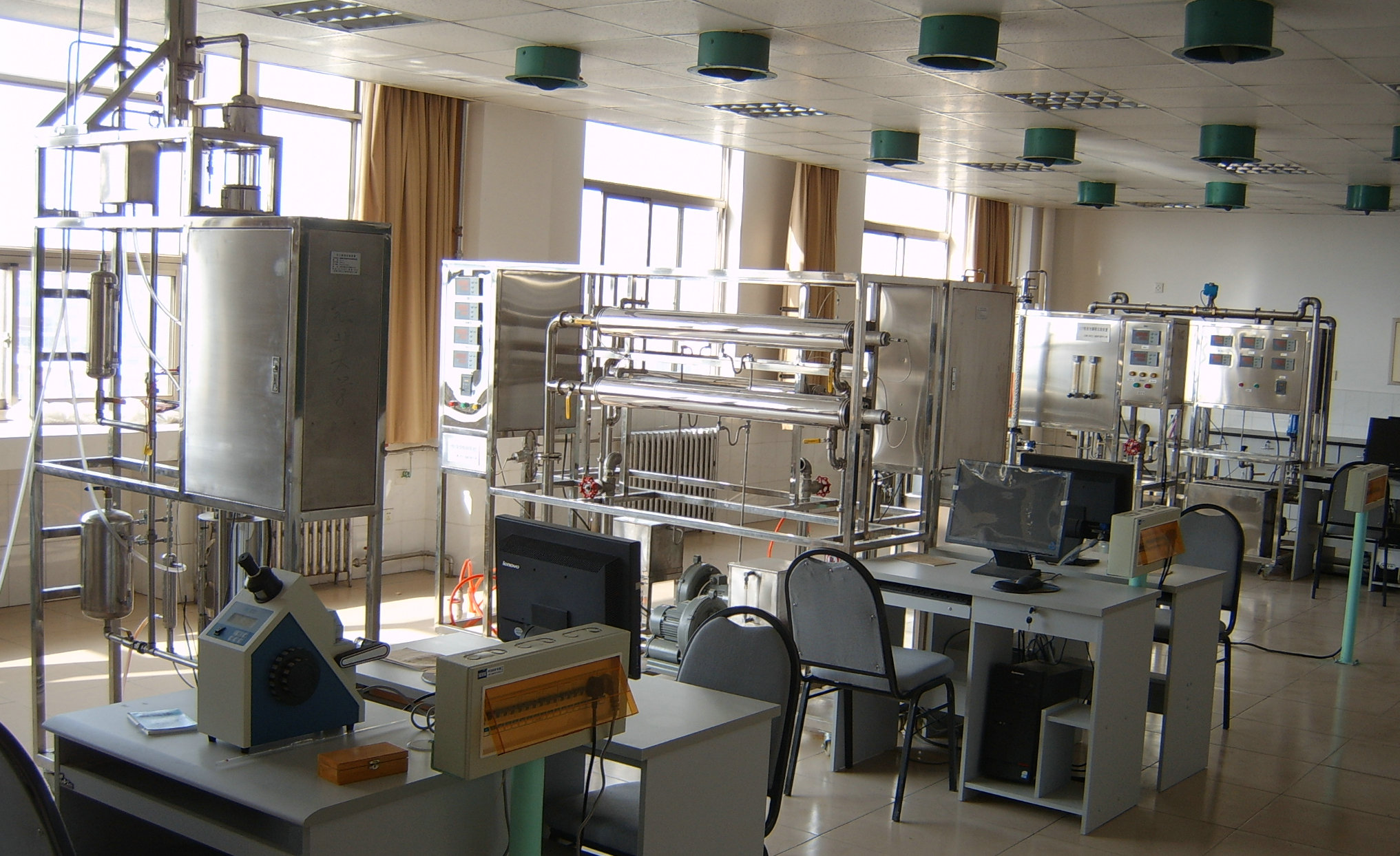 """""""虚拟""""电学实验室"""