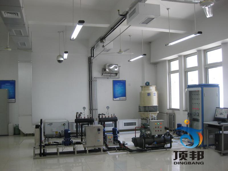 每个终端处理机配置制冷系统流程板,控制电路流程板,温度表及压力表