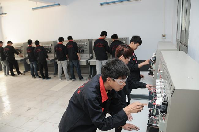 车床铣床电气技能实训室